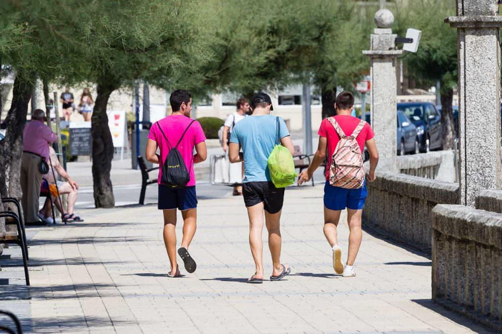 Playa de Silgar. Perfecta para dar un paseo al atardecer hasta el puerto deportivo.